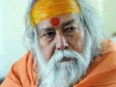 Dwarka Shankaracharya slaps journalist for question on Modi