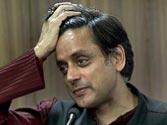 Shashi Tharoor writes to Sushilkumar Shinde, offers full cooperation in probe into Sunanda Pushkar death case