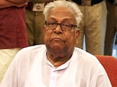 Achuthanandan rejects Kejriwal's invite to join AAP