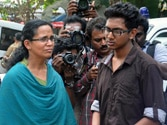 CPM red-faced by Chandrasekharan widow's fast