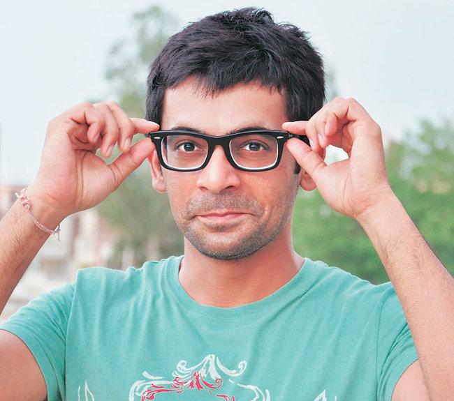 sunil grover s bmw hits alto actor unhurt television news