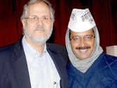 Was Najeeb Jung working for Reliance, asks Aam Aadmi Party's Ashutosh