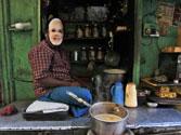 Narendra Modi to brew bonhomie with voters at 'Chai pe charcha'