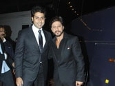 Shah Rukh surprises Abhishek Bachchan with a special gift