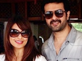 Bipasha wants Harman's intimate scenes in Dishkyaaoon to be cut?