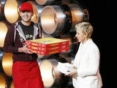 Oscars pizza delivery guy gets $1,000 tip