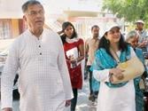 Girish Karnad campaigns for Nandan Nilekani in Bangalore South