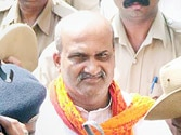 Pramod Muthalik welcomed and then rejected by BJP