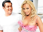 Salman hints at marrying Romanian beauty Iulia Vantur