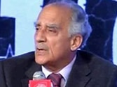UPA good at claiming credit, shifting blame, says Arun Shourie