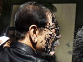 Ink on Subrata Roy's face: Supreme Court issues contempt notice to thrower