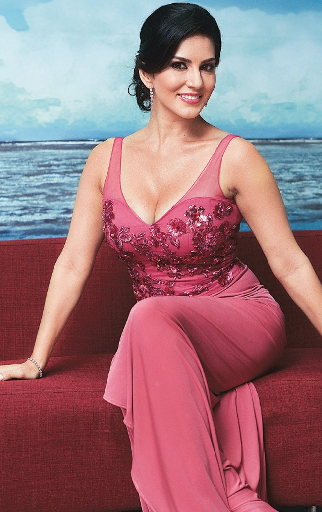 Sunny Leone Goes Back To Small Screen - Movies News-9146
