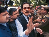 Supreme Court questions Subrata Roy on being defended by five lawyers