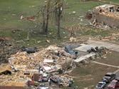 Killer tornadoes in US leave 20 dead