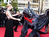 Cate Blanchett plays jokester at Cannes