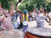 Joy erupts at Delhi BJP HQ