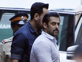 Waiter identifies Salman Khan, says he served drinks to his group