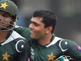 Kamran Akmal, Shoaib Malik denied central contracts by PCB