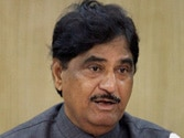Munde was humiliated, wanted to leave party: BJP leader