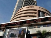 Sensex rebounds 338 points, oil eases inflation fear