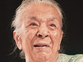 Zohra Sehgal cremated, family and friends bid farewell