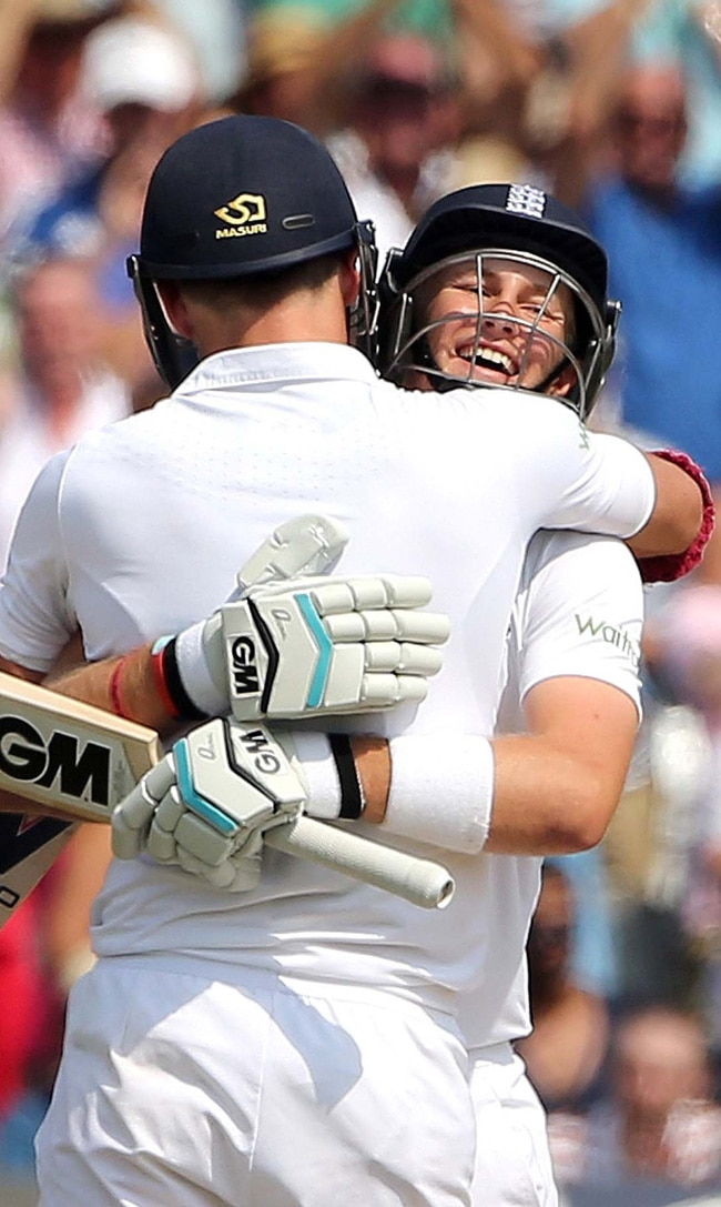 Joe Root celebrates his ton with James Anderson