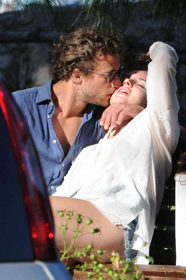 Lana del Rey dating joka