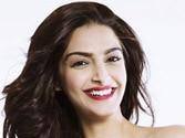 Sonam Kapoor to show Rekha the new trailer of Khoobsurat