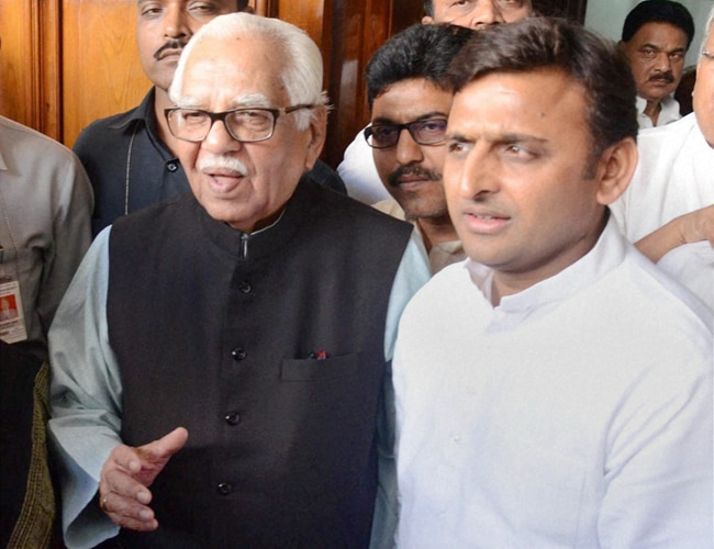Ram Naik with UP CM Akhilesh Yadav.