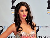 Nargis Fakhri suffers wardrobe malfunction