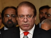 Nawaz Sharif blinks, says will meet Imran Khan, Tahir-ul Qadri