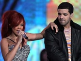 Back on? Rihanna parties with Drake