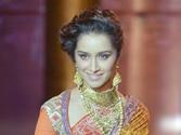 Injured Shraddha Kapoor gives heels a miss for catwalk