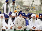 US Sikhs, lawmakers protest basketball ban on turbans