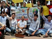 Govt says English won't count for UPSC Civil Services Aptitude Test, students continue protests