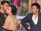 Deepika adds humour to 'Finding Fanny' bash