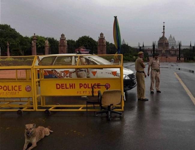 Delhi Police near Rashtrapati Bhavan. PTI Photo