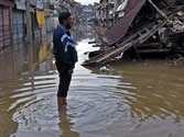 Flood water being pumped out of Srinagar