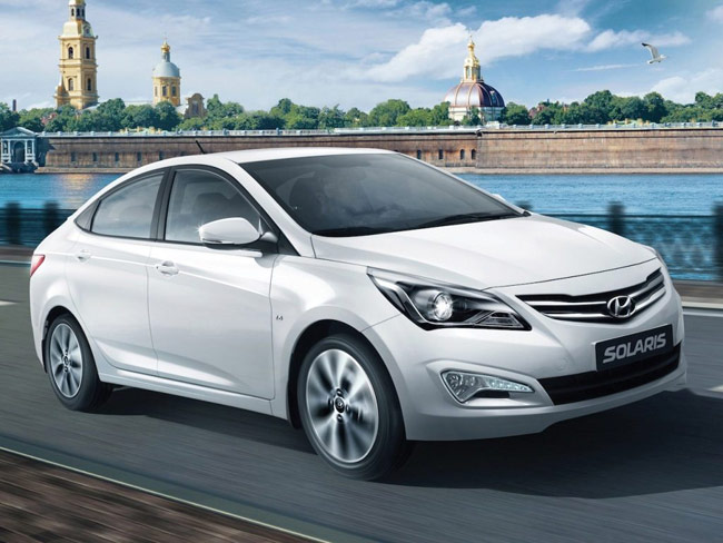 Hyundai Verna Facelift Spotted In India