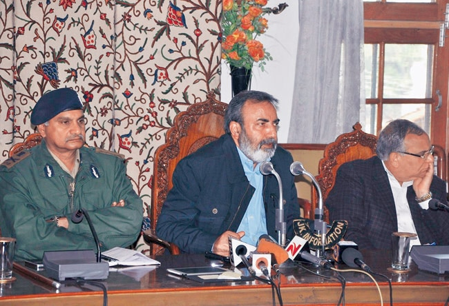 J&K Chief Secretary Iqbal Khanday (centre) along with other officials.