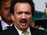 Rehman Malik, friend thrown off a PIA flight by passengers angry over flight delay