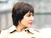 OMG! Anushka Sharma to pose with transistor in next PK motion poster