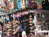 Textiles Ministry cracks down on absentee weavers at Dilli Haat