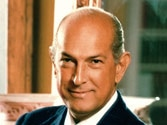 Celebs pay tribute to designer Oscar de la Renta on Twitter