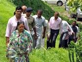 Vasundhara Raje working 16 hours to do what Modi did in Gujarat