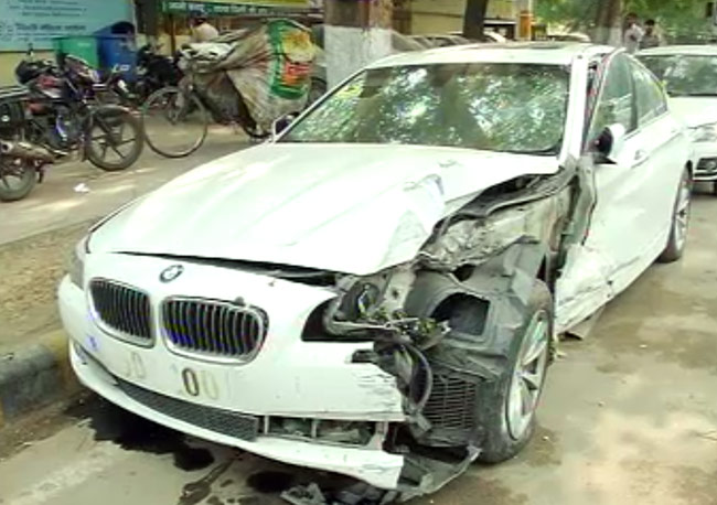 Speeding Bmw Rams Into Renault Duster In South Delhi India News