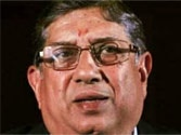 IPL spot-fixing: Srinivasan gets clean chit, Kundra and Meiyappan involved in betting