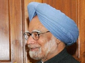Modi congratulates Manmohan for receiving top Japan award