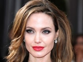Angelina Jolie diagnosed with chickenpox