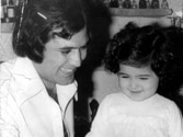 Twinkle Khanna shares picture with father on their birthday